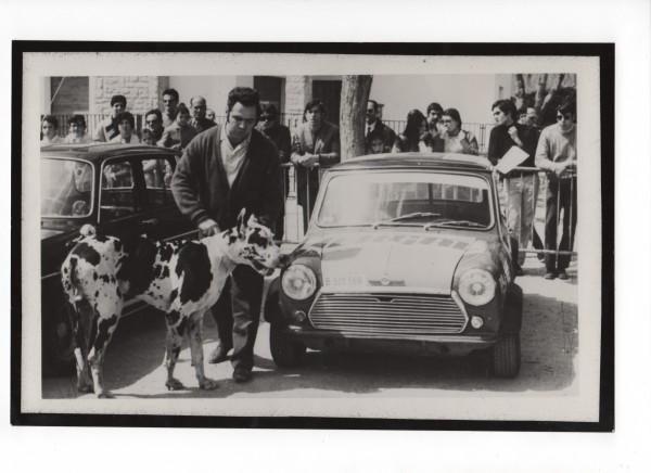 1971 - Subida en Cuesta a Castellterçol 1er Scratch. Mi padre con su Mini Cooper S y Aladin recién importado de Francia